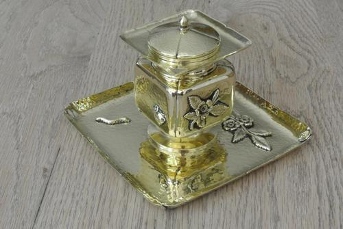 Fine English Victorian Brass Inkwell in the Japanese Inspired Style c.1880 (1 of 7)