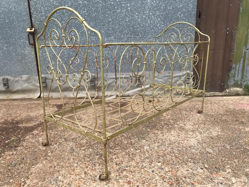 Large Victorian Cast Iron Cot (1 of 5)