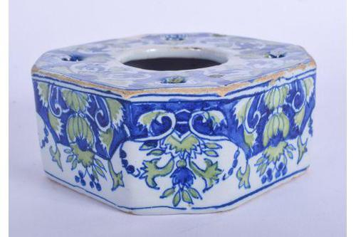 Continental Faience Tin Glazed Inkwell (1 of 5)