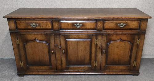 Titchmarsh Goodwin English Oak Dresser Base (1 of 10)