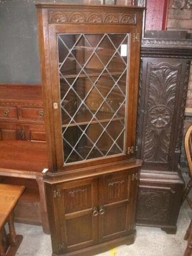Linenfold Lead Glazed Corner Cabinet (1 of 2)