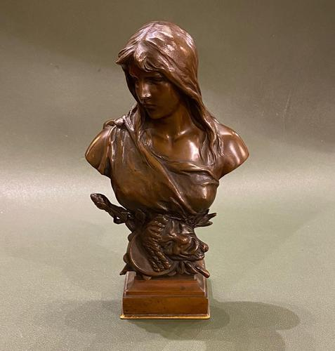 H. MULLER: A Pretty 19th Century French Bronze Bust (1 of 5)