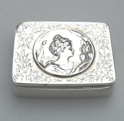 Superb Solid Silver Art Nouveau Maiden Table Snuff Box P Bryk c.1902 (1 of 8)