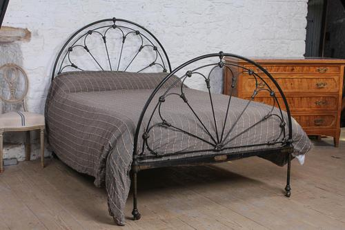 Lovely Very Original Winfield Double Iron Bed (1 of 9)