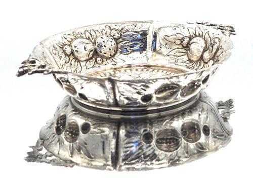 Small Victorian Silver Strawberry Dish - London 1886 (1 of 4)
