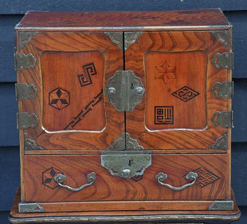 Excellent 19th Century Japanese Elm Jewellery Box / Table Cabinet (1 of 9)