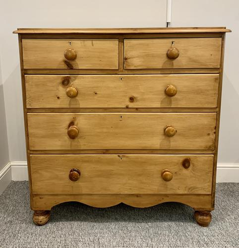 Antique Victorian Pine Chest of Drawers with Key (1 of 15)