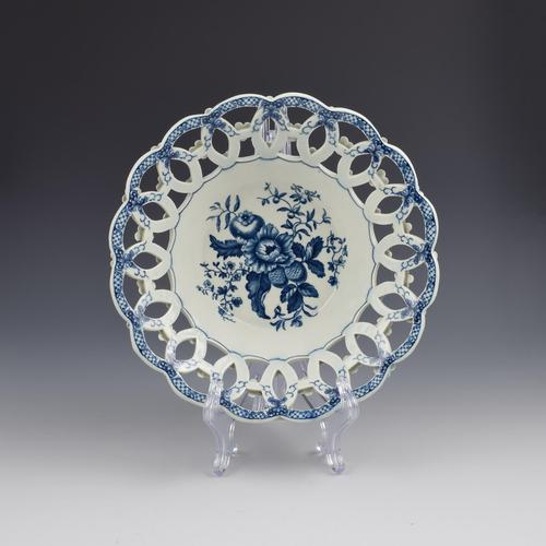 Large First Period Worcester Porcelain Pine Cone Pattern Basket c.1775 (1 of 6)
