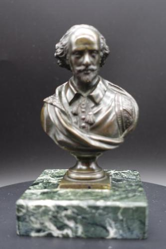 Well Modelled Late 19th Century Desk Bronze of William Shakespeare (1 of 5)