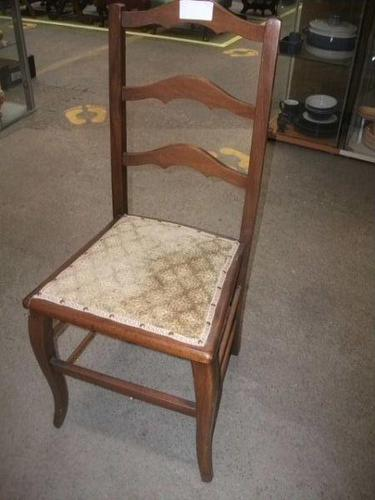 Bedroom Chair (1 of 2)