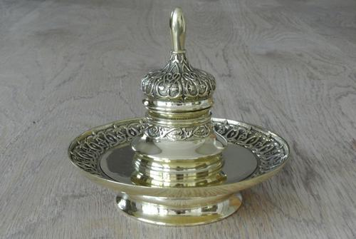 Fine 19th Century Brass Inkwell in the Bright Pavilion Style (1 of 7)
