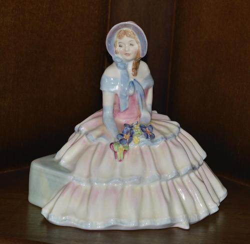 """Royal Doulton 1935 Porcelain """"Daydreams"""" Figurine (1 of 9)"""