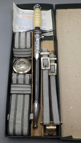 East German Army / Airforce Dagger in Presentation Box - Never Used (1 of 9)