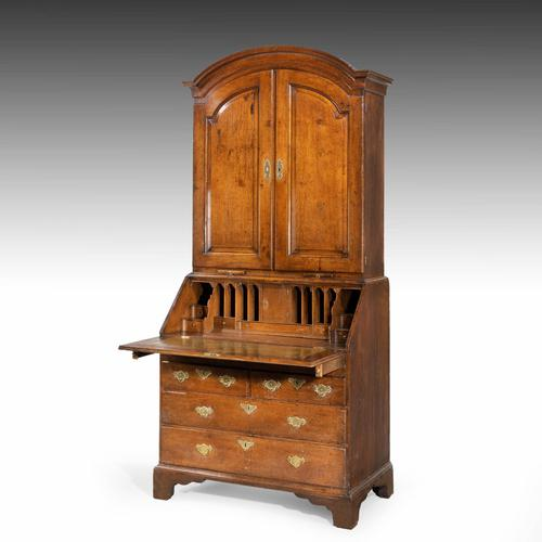 Extremely Well-drawn Mid 18th Century Oak Bureau Cabinet (1 of 5)