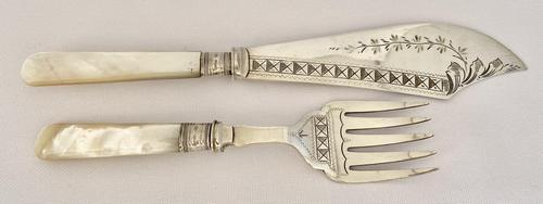 Mother of Pearl Fish Servers 1922 (1 of 4)