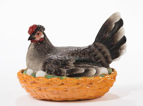 Late 19th Century Well Coloured Oval Hen Basket (1 of 4)