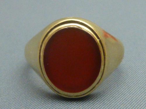 9ct Gold Gentlemans Cornelian Signet Ring (1 of 5)