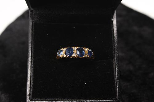 18ct Gold, Diamond & Sapphire Ring, size Q, weighing 2.8g (1 of 5)