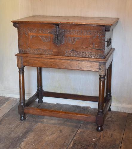 Italian Renaissance Cedar Box on Later Stand (1 of 13)
