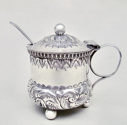 Small Victorian Silver Mustard Pot by William Devenport, Birmingham 1895 (1 of 8)