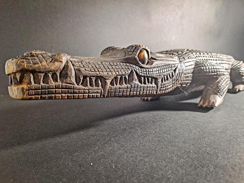 Wooden Carved Alligator (1 of 7)