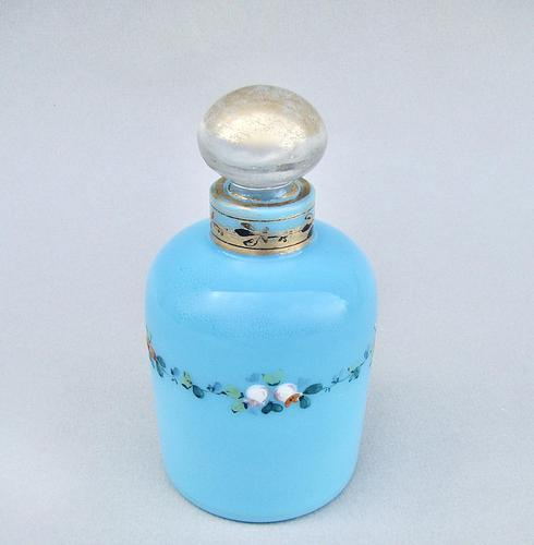 19th Century French Enamelled Opaline Glass Scent Bottle c.1890 (1 of 5)