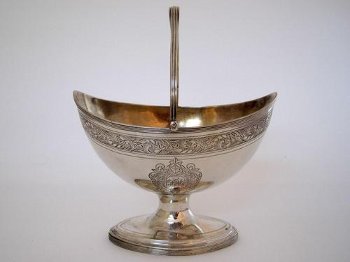 George III Oval Silver Sugar Basket with a Reeded Swing Handle (1 of 7)