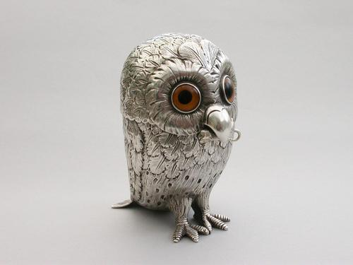 Edwardian Novelty Silver Owl Mustard Pot with Mouse Spoon (1 of 17)