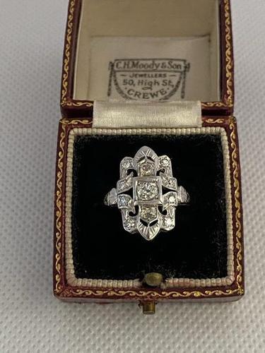 Art Nouveau 18ct White Gold Diamond Ring .88ct (1 of 8)