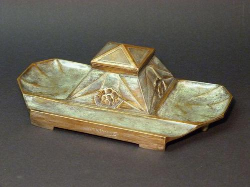Parisian bronze caster  Inkwell. (1 of 8)