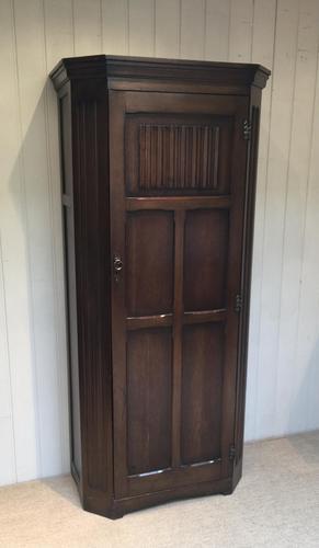1930s Oak Hall Cupboard (1 of 10)