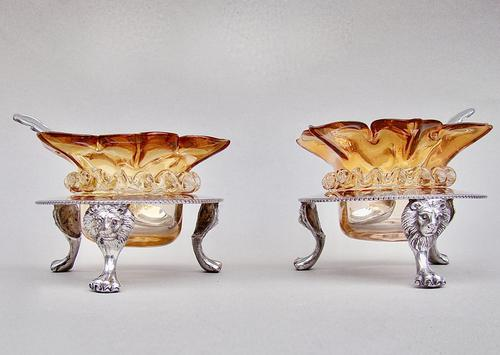 Delightful Pair of Victorian Silver Plated Stands with Glass Salts by John Grinsell & Sons c.1890 (1 of 10)