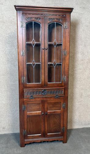 Wood Bros Old Charm Furniture Oak Corner Cabinet (1 of 13)