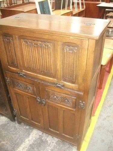 Carved Oak Linenfold Cocktail Cabinet (1 of 2)