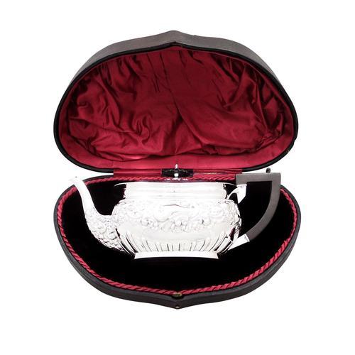 Antique Edwardian Sterling Silver Teapot in Presentation Case 1902 (1 of 10)