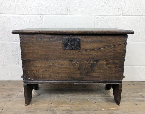 Small 18th Century Joined Oak Coffer (1 of 18)