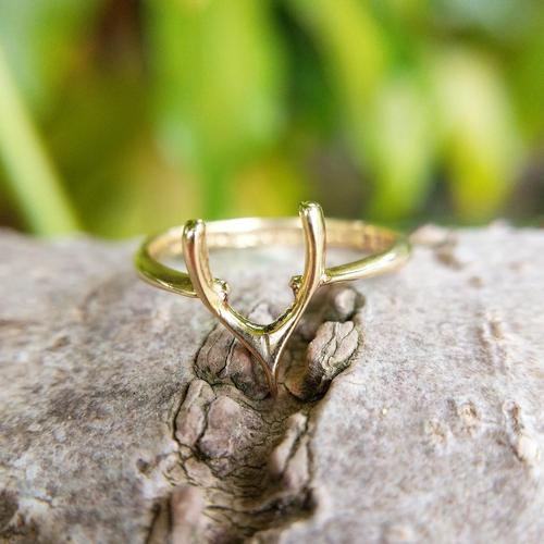 Vintage 18ct Gold Wishbone Ring from 1945 (1 of 5)
