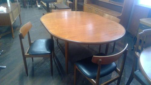 G plan Dining  Table & 4 Chairs (1 of 3)