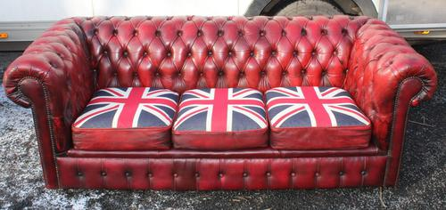 1960s Chesterfield Red Leather 3 Seater Sofa with Union Jack on Seat (1 of 3)