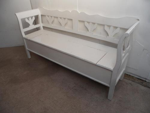 A Lovely White Tulip 3 Seater Antique/Old Pine Kitchen/Hall Box Settle/ Bench (1 of 9)