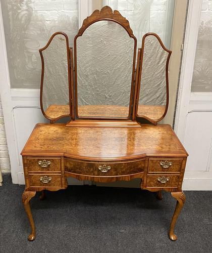 Burr Walnut Queen Anne Dressing Table (1 of 13)