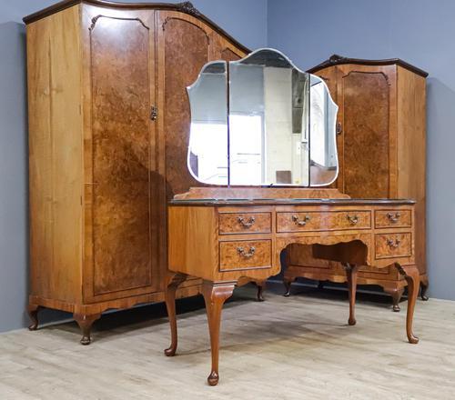 Walnut Queen Anne Style Bedroom Suite (1 of 14)