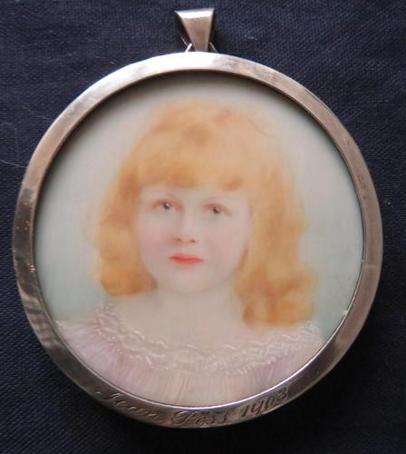 Miniature Portrait Diana Ross 1903 Edwardian Halmarked and Engraved Silver Frame (1 of 4)