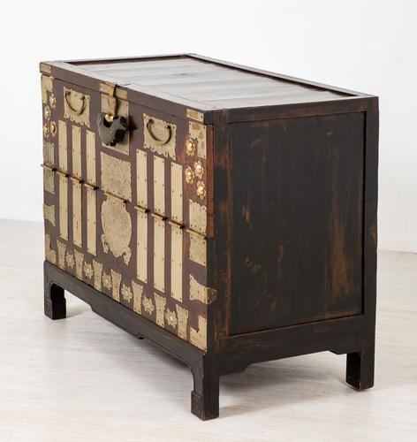 Very Decorative Chinese Marriage Chest (1 of 7)
