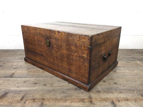 19th Century Oak Box Belonging to Henry Hanmer MP (1 of 14)