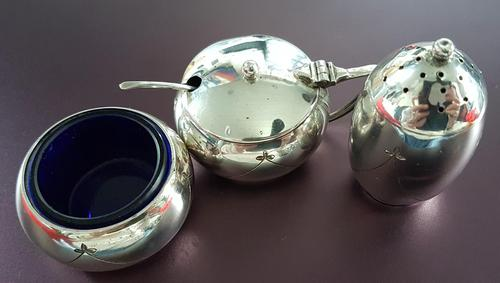 Sterling Silver Cruet Set (1 of 4)