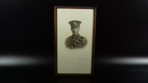 Original WW1 Framed Soldier Portrait Photograph Signed (1 of 11)