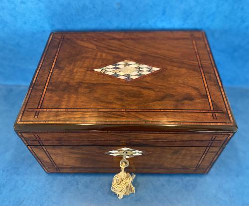 Victorian Walnut Jewellery Box c.1860 (1 of 14)