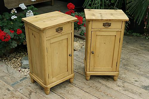 Quality Pair of Old Stripped Pine Bedside Cabinets (1 of 9)