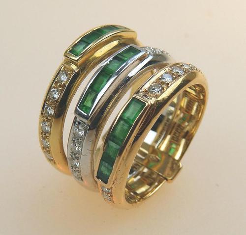 Stunning 18ct Gold, Diamond & Emerald Ring 17/n in Original Box 20th Century (1 of 10)